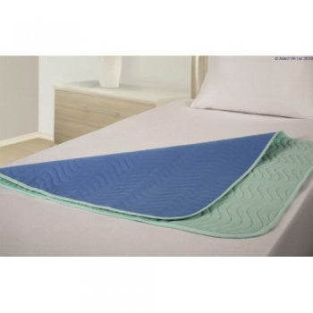 Large Vida Washable Maxi Bed Pad with tucks